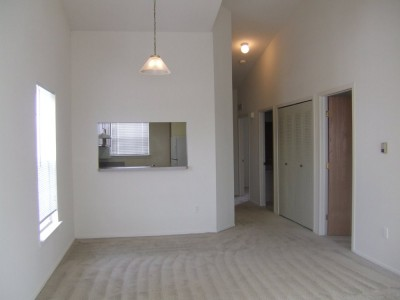 2 Bedroom / 1 Bathroom Upper