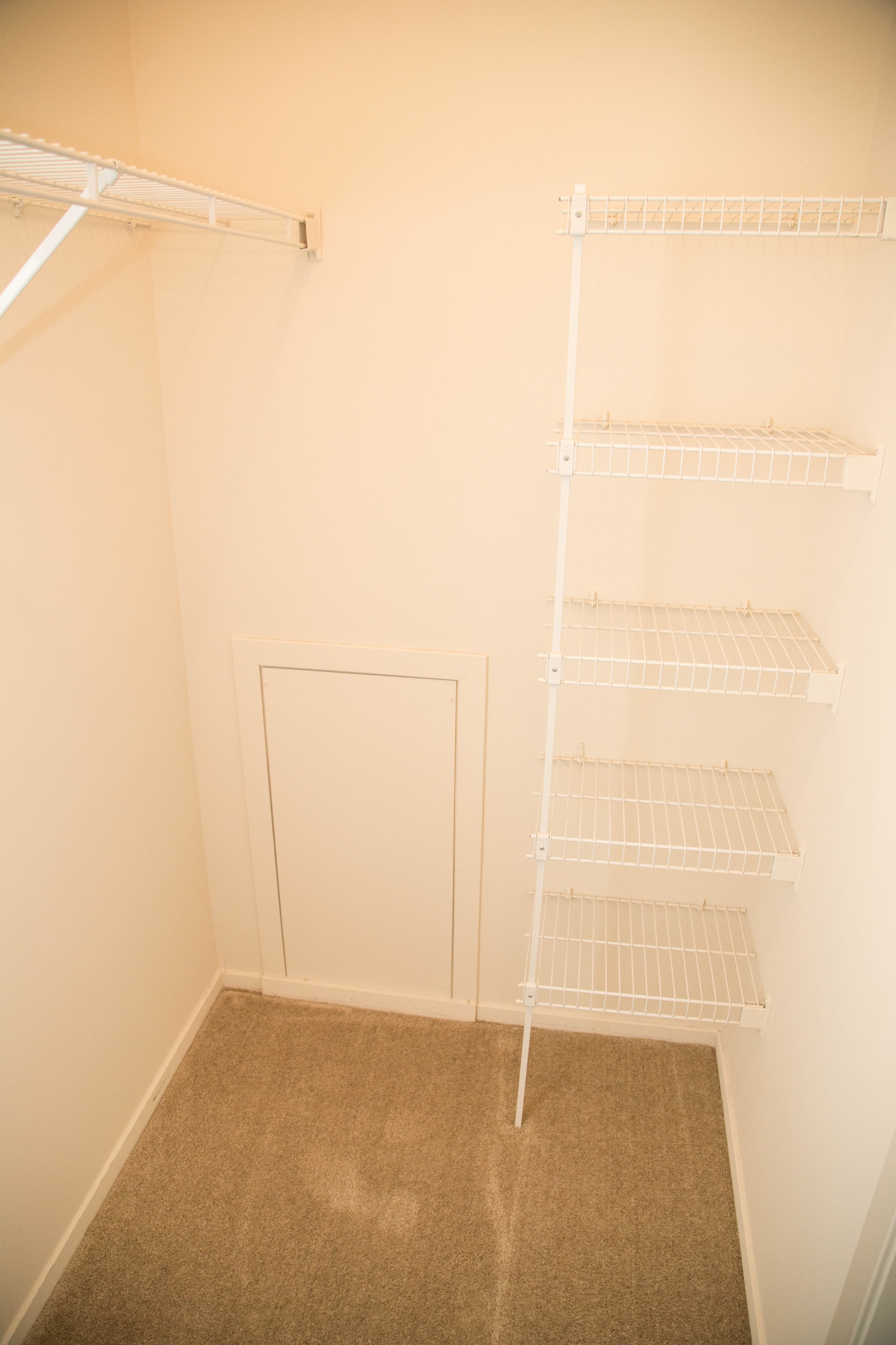 B2 closet