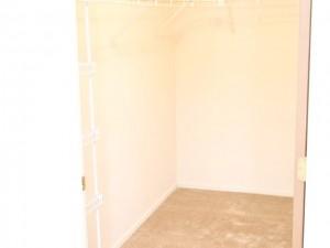 C3 closet1